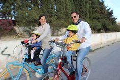 Familia en bici con weeride
