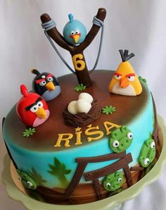 Best Angry Birds Birthday Cakes Ideas And Designs Torta Angry Birds, Cumpleaños Angry Birds, Angry Birds Birthday Cake, Bird Birthday Parties, Birthday Cakes, Fondant Cake Designs, Fondant Cakes, Cupcakes, Cupcake Cakes