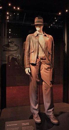 ef473cf02ae Indiana Jones outfit - Lucasfilm