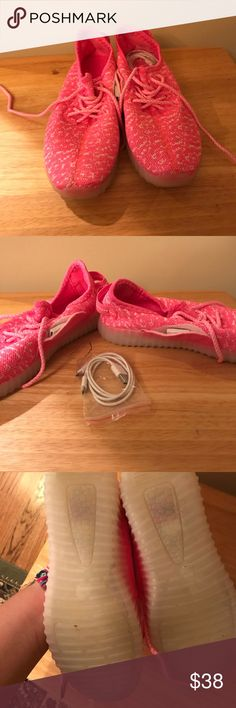 LED Light Up Tennis Shoes Comes with cord to charge shoes. Light up multiple patterns. Shoes Athletic Shoes