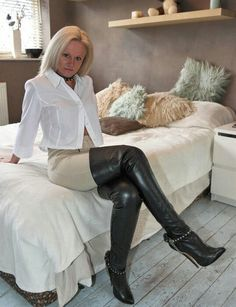 A SUBS-election of the Femdom, FLR, TPE and Thigh High boots related pictures found mainly here on...