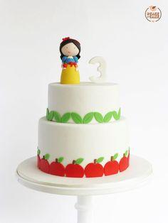 Snow White cake