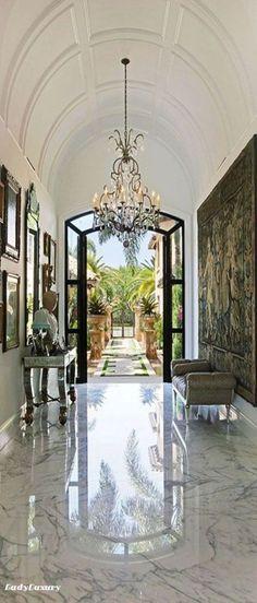 Million Dollar Interiors- Entryway | LadyLuxuryDesigns. #design #furniture #home See more at http://memoir.pt/