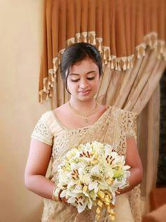Christian Wedding Sarees, Christian Bride, Saree Wedding, Wedding Dresses, Kerala Saree, Beauty Clinic, Coconut Oil For Skin, Wedding Styles, Wedding Ideas