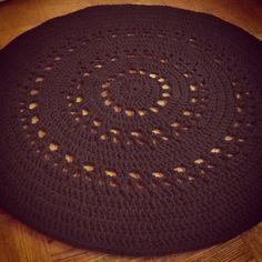 Crocheted rug by Annikaisa