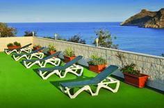 Hotel Kaktus. Genieten op het zonneterras.