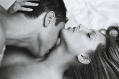 """En todo encuentro erótico hay un personaje invisible y siempre activo: la imaginación"""". Octavio Paz"""