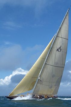 This amazing sailboat aesthetic is certainly a magnificent style procedure. J Class Yacht, Classic Sailing, Classic Boat, Sailing Pictures, Volvo Ocean Race, Love Boat, Charter Boat, Yacht Boat, Navy Ships