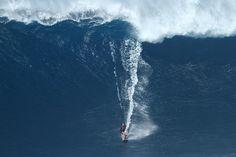 Photo of the Day: Bethany Hamilton, Jaws. Photo: Erik Aeder