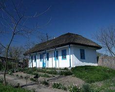 Casele traditionale din Letea, Delta Dunarii Home Fashion, Romania, Cabin, House Styles, Outdoor Decor, Facebook, Home Decor, Travel, Decoration Home