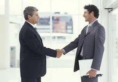 Persona a persona. Se da para un ascenso, un despido o un felicitación.