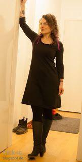 """endlich fertig: mein Kleines Schwarzes nach dem Schnitt """"ein Schnitt vier Styles"""" von rosa.p ;the trick is...: kleines schwarzes // mmm #einschnittvierstyles #rosape #sewing #dress Sewing, Black, Dresses, Fashion, Sew Dress, Clothing Apparel, Vestidos, Moda, Dressmaking"""