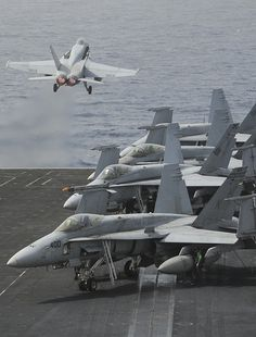 """RED SEA (Sept. 3, 2013) An F/A-18C Hornet assigned to the """"Blue Diamonds"""" of Strike Fighter Squadron (VFA) 146 launches off the flight deck of the aircraft carrier USS Nimitz (CVN6). (U.S. Navy photo by Mass Communication Specialist Seaman Apprentice Kelly M. Agee/ Released)"""
