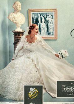 6 Beautiful Wedding Dress Trends in 2020 Wedding Dress Trends, Wedding Attire, Wedding Gowns, Wedding Ring, Vintage Wedding Photos, Vintage Bridal, Vintage Weddings, Vintage Dresses, Vintage Outfits