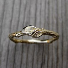 Twig Wedding Band with Leaves: White Yellow or by KristinCoffin