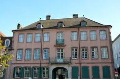 L'hôtel Beurnier-Rossel a été construit de 1772 à 1774 pour Georges-David Rossel et son épouse Anne Madeleine Beurnier. En 1917, le dernier descendant, sans enfant, l'a légué à la ville de Montbéliard. qui e, fit le musée de l'Histoire