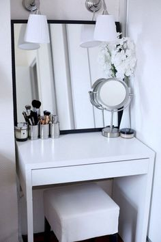 40 Creative Storage Design For Small Spaces Bedroom Ideas Small Bedroom Ideas Bedroom Creative Design Ideas Small Spaces Storage Bedroom Desk, Bedroom Apartment, Diy Bedroom, Warm Bedroom, Bedroom Simple, Master Bedroom, Bedroom Ceiling, Dressing Table For Small Space, Storage For Small Spaces
