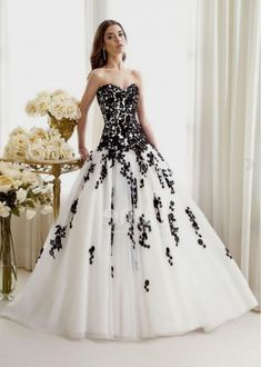 black-and-white-ball-gown-2016-2017-0.jpg (535×750)