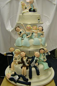 The Wedding Party cake by Helen Brinksman.a cake like this done with mexican guys and girls would be so cute with Tequila bottles Gorgeous Cakes, Pretty Cakes, Cute Cakes, Amazing Cakes, Crazy Cakes, Fancy Cakes, Cake Original, Girls Party, Funny Wedding Cake Toppers