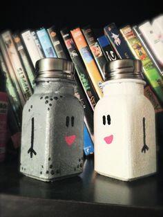 DIY salt and pepper shakers | DIY: Mr. Salt and Mrs. Pepper Shakers! #bluesclues #kidscrafts # ...