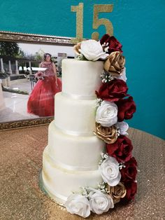 Quince Cakes, Quinceanera Cakes, Table Decorations, Home Decor, Decoration Home, Room Decor, Home Interior Design, Dinner Table Decorations, Home Decoration
