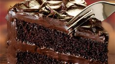 Whip up a dark chocolate fudge cake recipe that the whole family will enjoy using Duncan Hines® Dark Chocolate Fudge Cake Mix. Moist Chocolate Fudge Cake Recipe, Perfect Chocolate Cake, Chocolate Recipes, Chocolate Quotes, Chocolate Pictures, Bolo Fudge, Bolo Cake, Food Cakes, Cupcake Cakes