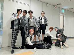 Pentagon Group, Pentagon Members, Pentagon Hongseok, Cube Entertainment, Group Photos, Entertaining, Photo And Video, Boys, Instagram