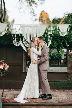 Jewel-toned bohemian wedding at The Acre Orlando - 100 Layer Cake Boho Bride, Wedding Bride, Boho Wedding, Bohemian Weddings, Wedding Ideas, Lace Wedding Dress, Wedding Dress Styles, Wedding Party Dresses, 5 September