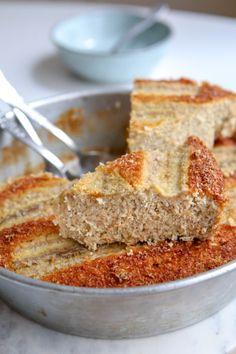 Découvrez le gâteau à la banane et à la noix de coco, pour utiliser des bananes trop mûres. Une recette facile et rapide à réaliser, sans gluten !