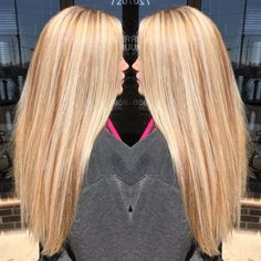 Golden blonde base with platinum highlights and neutral lowlights #BlondeHairstylesGolden