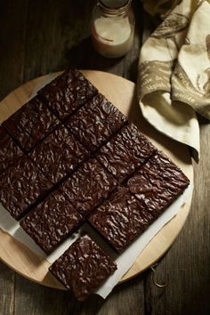 Chocolate 'wrinkle' brownies - *written in malay* Chocolate Cheesecake Recipes, Brownie Desserts, Pudding Desserts, Brownie Recipes, Brownie Cake, No Bake Brownies, Fudgy Brownies, Chocolate Brownies, Brownies Kukus