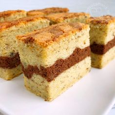This domain may be for sale! Sponge Cake Recipes, Easy Cake Recipes, Sweet Recipes, Baking Recipes, Fruit Recipes, Banana Sponge Cake, Chocolate Sponge Cake, Banana Cakes, Sweets