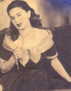 Egyptian Beauty, Arab Celebrities, Egyptian Actress, Classic Beauty, Old Pictures, Beautiful Actresses, Movie Stars, Actors & Actresses, Soft Power