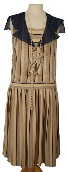 Cream and blue 1920s day dress