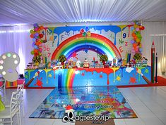 Formatura ABC - Colégio Convergente Rainbow Party Decorations, School Decorations, Birthday Party Decorations, Crayon Birthday Parties, Rainbow Birthday Party, Art Classroom Door, Art Party Cakes, Rainbow Balloons, My Little Pony Party