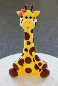 Ideas baby girl shower cakes no fondant polymer clay Giraffe Cakes, Safari Cakes, Girl Shower Cake, Baby Shower Cakes, Fondant Figures, Decors Pate A Sucre, Giraffe Birthday, Jungle Cake, Baby Shower Giraffe