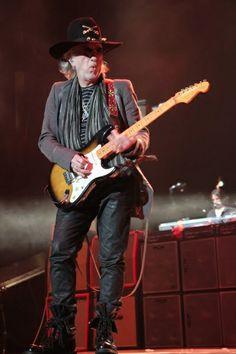 Login to the Aerosmith Fan Club Aerosmith, Elvis Presley, Brad Whitford, Fender Bender, Joe Perry, Best Guitarist, Force One, Steven Tyler, I Love Music