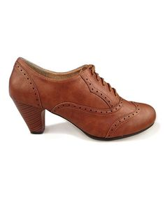 Tan Amany Oxford Pump