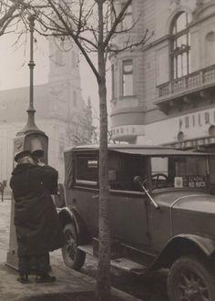 Ilyen is volt Budapest - 1930 táján, Alagút utca, a Philadelphia kávéház Old Pictures, Old Photos, Vintage Photos, Vintage Photography, Travel Photography, History Photos, Budapest Hungary, Historical Photos, Philadelphia