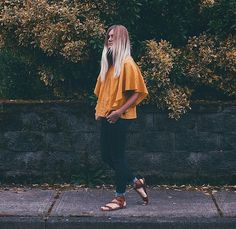 FLOWY YELLOW TOP || @CHANROBERSON || cute top, target sandals, forever21, old navy, blonde, blogger, simple style, outfit idea, easy outfit, 70s, cool style.