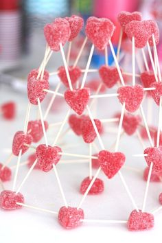 Build Valentines Day candy structures for fun and inexpensive Valentines Day STEM activities. Candy structures STEM activities are great fro kids of all ages and groups too. Set up a candy STEM challenges for Valentine's Day activities kids will love! Kinder Valentines, Valentine Theme, Valentines Day Activities, Valentines Day Party, Valentines Ideas For Preschoolers, Valentines For Mom, Valentine Stuff, Valentine Nails, Funny Valentine