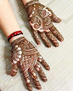 DM or ? amritahenna for Wedding Henna Bookings! Modern Henna Designs, Indian Henna Designs, Finger Henna Designs, Full Hand Mehndi Designs, Mehndi Designs Book, Mehndi Designs For Girls, Mehndi Designs For Beginners, Mehndi Designs For Fingers, Mehndi Design Images