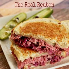 Reuben Sandwich, Grilled Sandwich, Soup And Sandwich, Sandwich Recipes, Lunch Recipes, Beef Recipes, Cooking Recipes, Vegetarian Sandwiches, Specialty Sandwiches