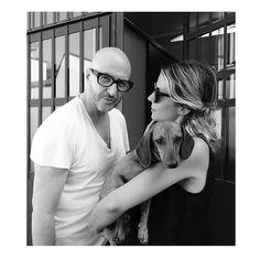 #RobertaRuiu Roberta Ruiu: Backstage moments. — @saturnino69 , Me & Lola - il bassotto. — Wearing @saturninoeyewear — #backstage #saturnino #sunglasses #dachshund #bassotto #bw #lampoon #love #pop #music #pose #girly #blonde #fashionable #casual #ootd #eyewear #latergram #ph @ivangrianti