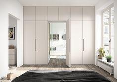 Hinged/folding door wardrobe, standing out for the versatile modular design of its component parts. Wardrobe Design Bedroom, Closet Bedroom, Home Decor Furniture, Home Decor Bedroom, Casa Patio, Folding Doors, Built In Wardrobe, Wardrobes, New Homes