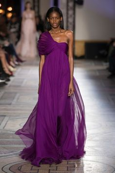 The 25 Best Runway Looks from Paris Spring Haute Couture Week Couture Week, Spring Couture, Style Couture, Couture Fashion, Fashion Show, Dress Fashion, Fashion Outfits, Mode Purple, Deep Purple
