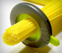 https://www.youtube.com/watch?v=YDQCUdo1WXQ When you look at Joseph Joseph's Spaghetti Measure, you instantly see a resemblance to a camera's aperture/shutter. The spaghetti measure borrows a rather nifty mechanism