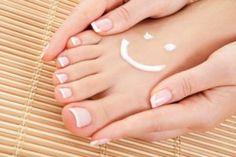 Cosmetische voetverzorging. Bij Joyful Feet ligt de nadruk meer op jou als totale mens. Jou voeten verlossen van problemen, jou voeten en huid in optimale conditie brengen en je een totale ontspanning geven van zowel lichaam als geest. Voetverzorging voor body & mind.