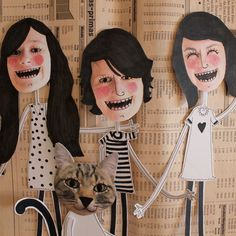 Oupas! It's a graphic design studio founded by three girls and a cat. They are addicted to cardboard and it's their favourite material to develop all design and crafts works.