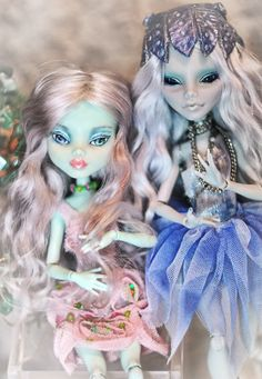 """FOR SALE HERE: """"Queen Tealia"""" named for her colors of course! She is by far one of my favorite mermaid's Ive modified!!! I have spent a lot of time on her as well as detailing her! I think i should..."""